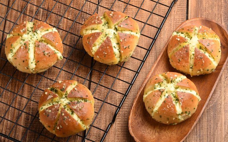 Resep Korean Garlic Cheese Bread Yang Sedang Viral!