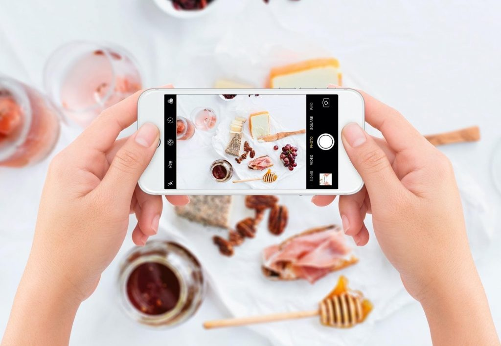 Video Tutorial: How to Create Realistic iPhone Mockups for Your ...